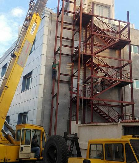 Fabrication montage d'ossature métallique pour ascenseur 5 étages